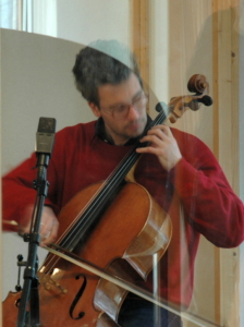Arne Neckelmann recording Beethoven cello sonatas in Greenhouse Music Studio 02/2010 - photo © René Pretschner